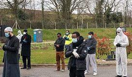 İngiltere'de Coronavirüsten ölen Müslüman böyle defnedildi