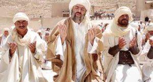Dua etti adamı develer ezdi
